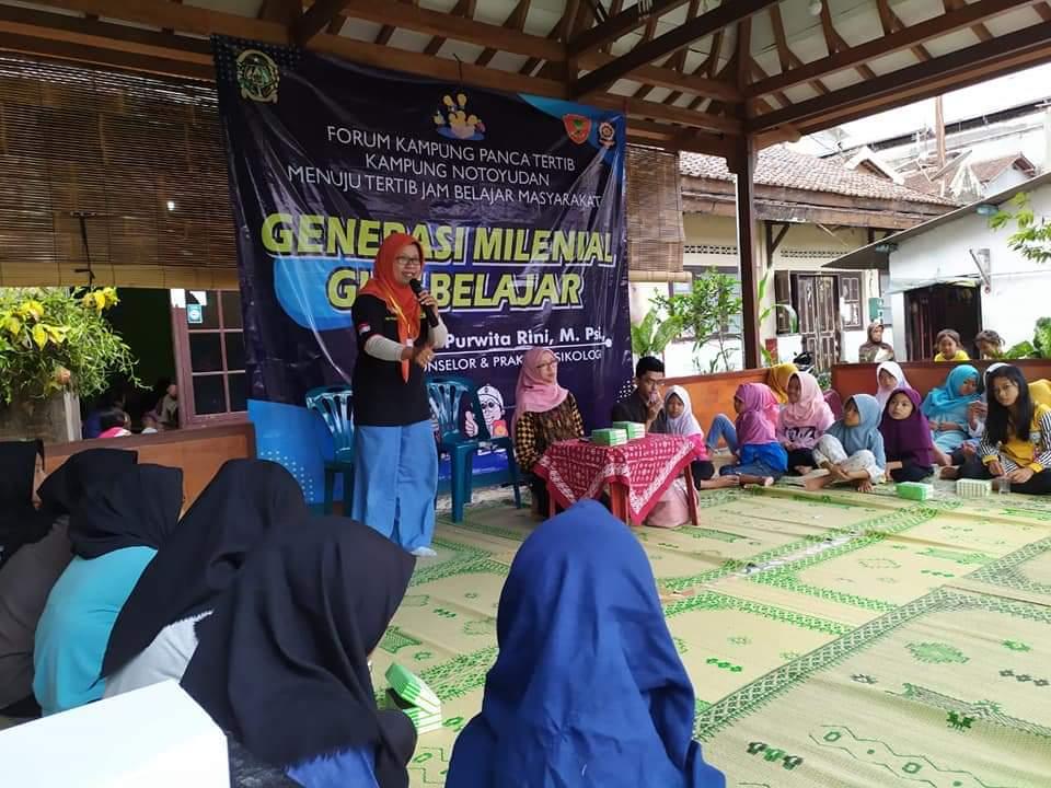 Sarasehan Jam Belajar Masyarakat di Kampung Panca Tertib Notoyudan