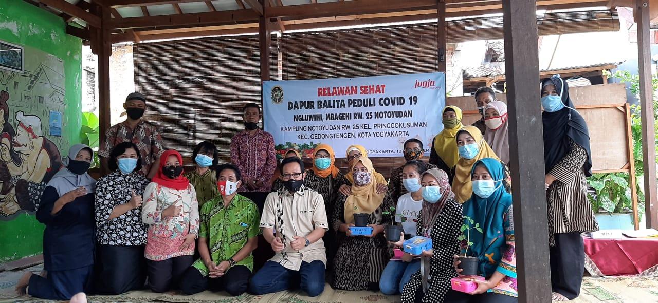 Launching Relawan Sehat dan Dapur Balita RW 25