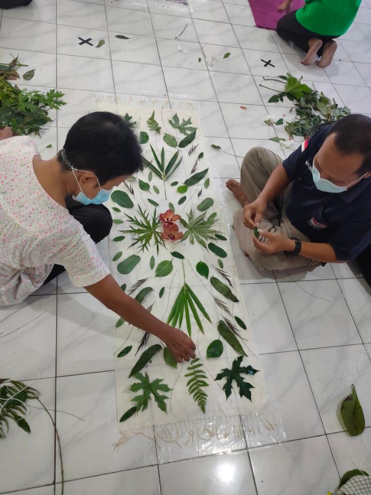 Pelatihan Ecoprint